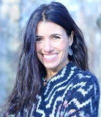 Sabine Groth, Cesta hrdinky