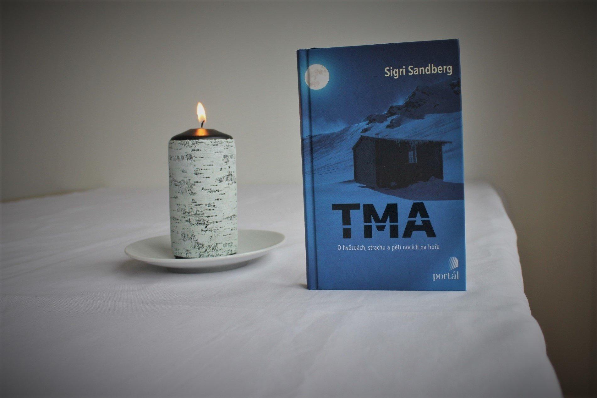 Christiane Ritter Žena v polární noci Arktida Rok na Špicberkách příroda cestování survival Tma Sigri Sandberg